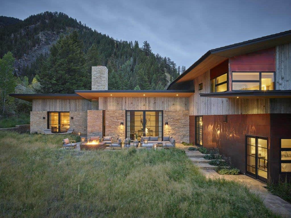 snake-river-canyon-residence-rustic-contemporary-exterior