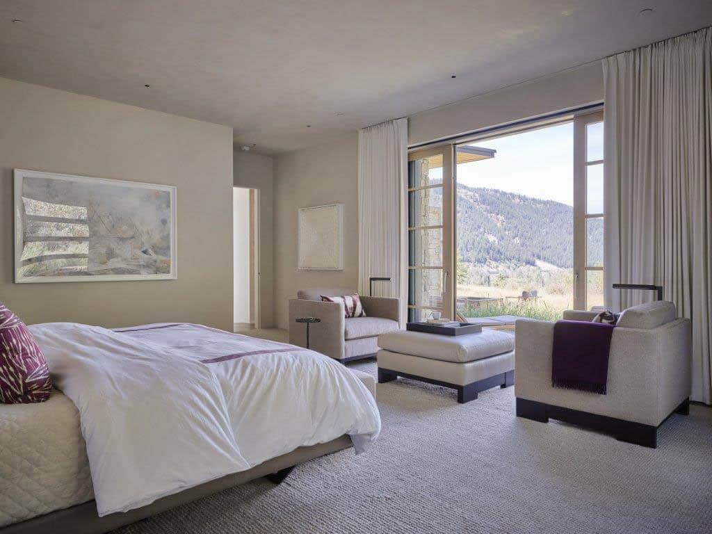 snake-river-canyon-residence-contemporary-bedroom