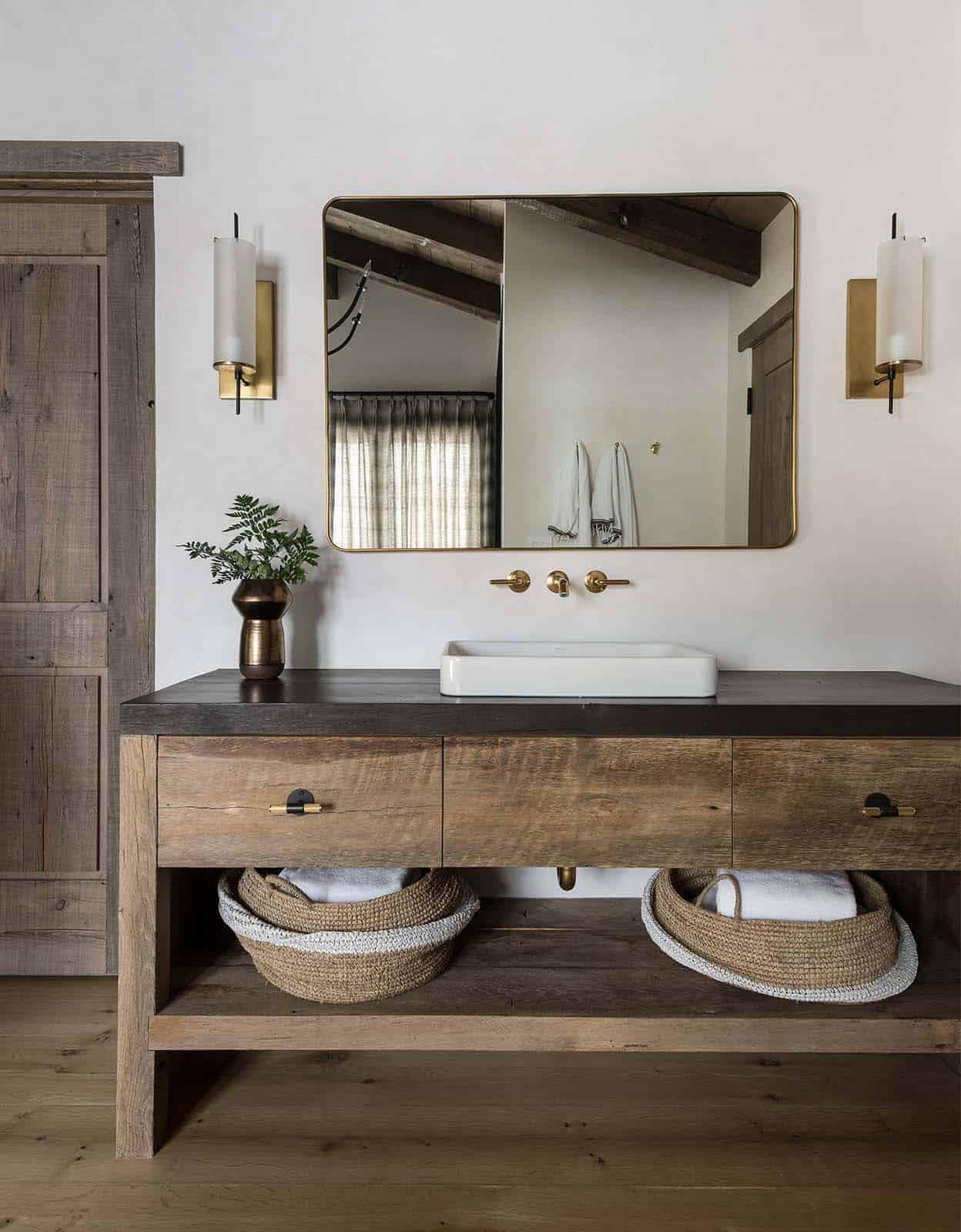 swiss-chalet-inspired-bathroom