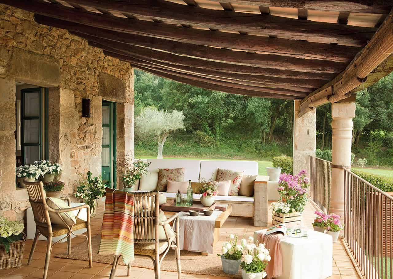 farmhouse-patio