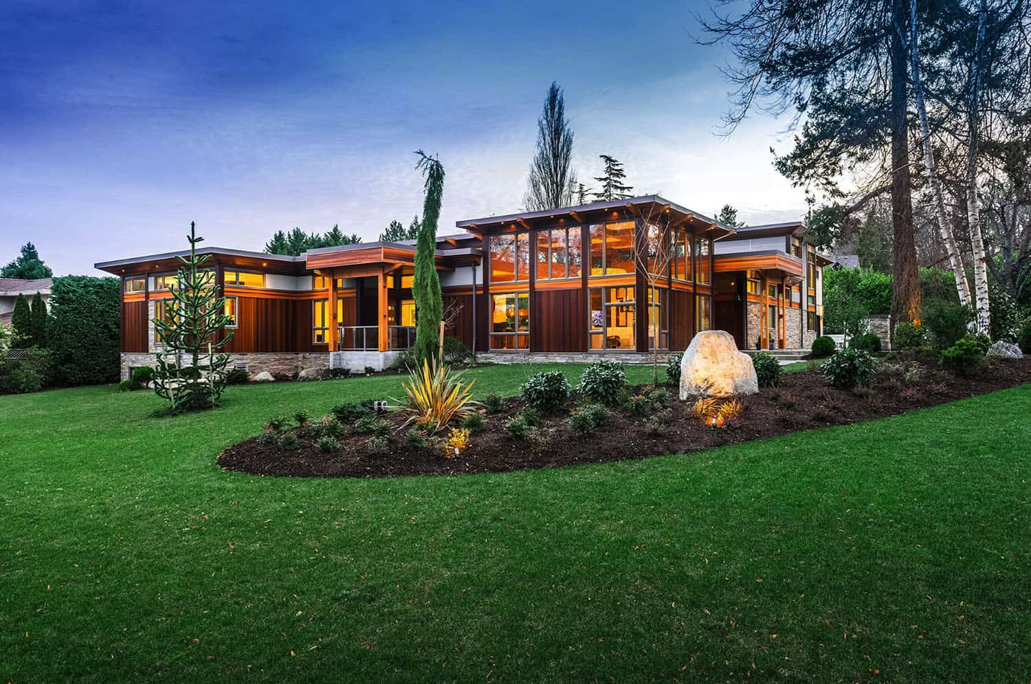 west-coast-modern-home-exterior