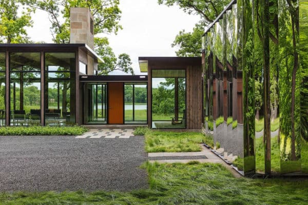 featured posts image for Exceptional modern glass house overlooks a serene wetland in Minnesota