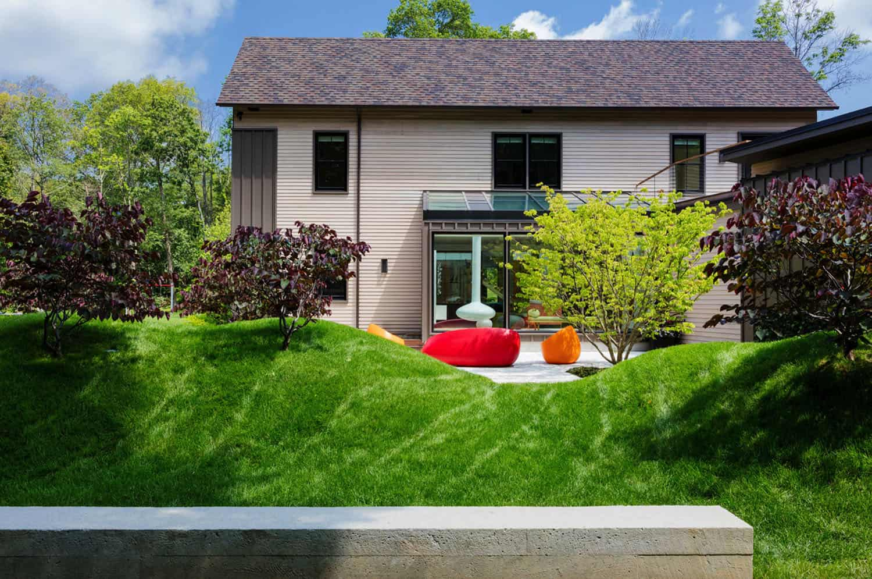 contemporary-home-exterior-patio