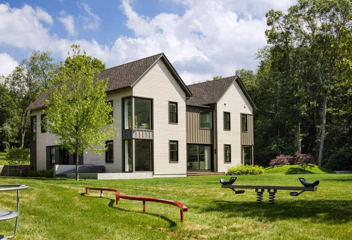 contemporary-home-rear-exterior