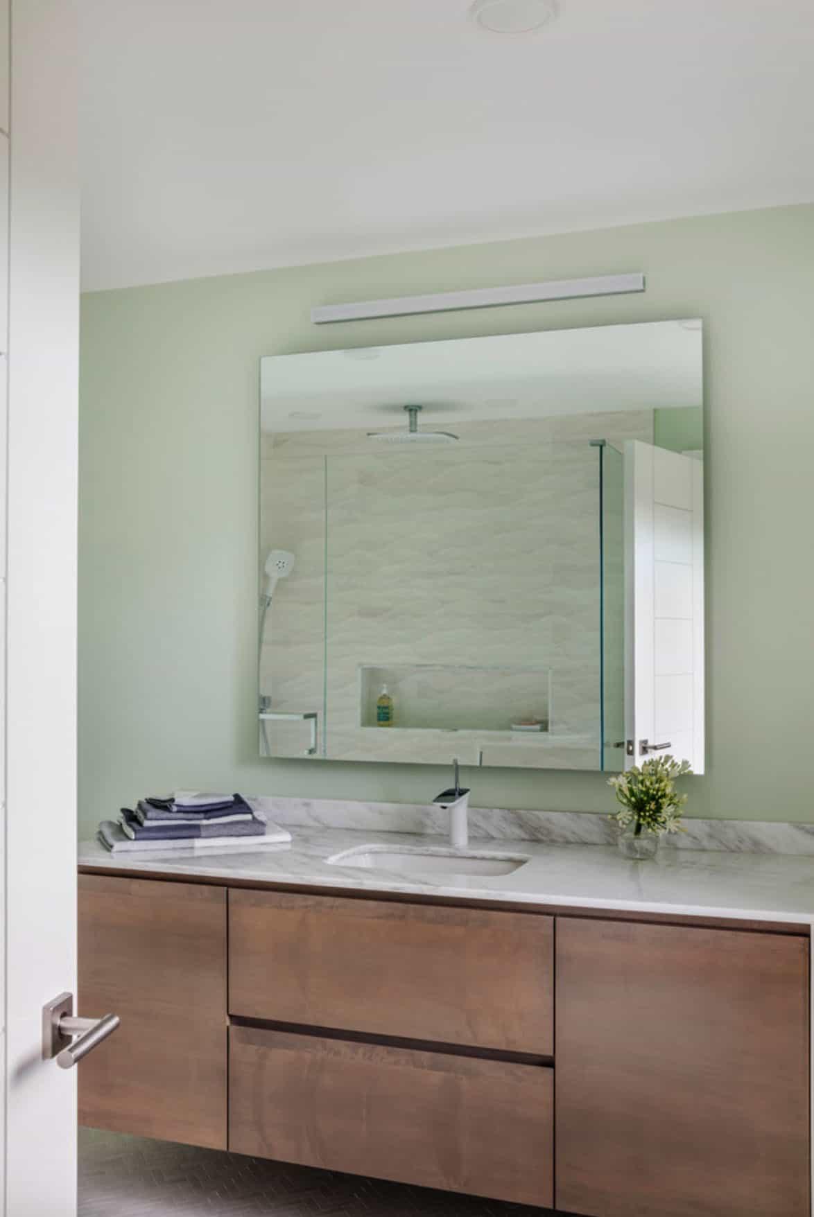 guest-bathroom-contemporary