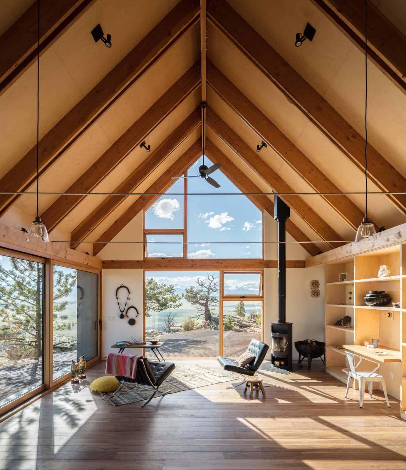 cozy-rustic-cabin-living-room