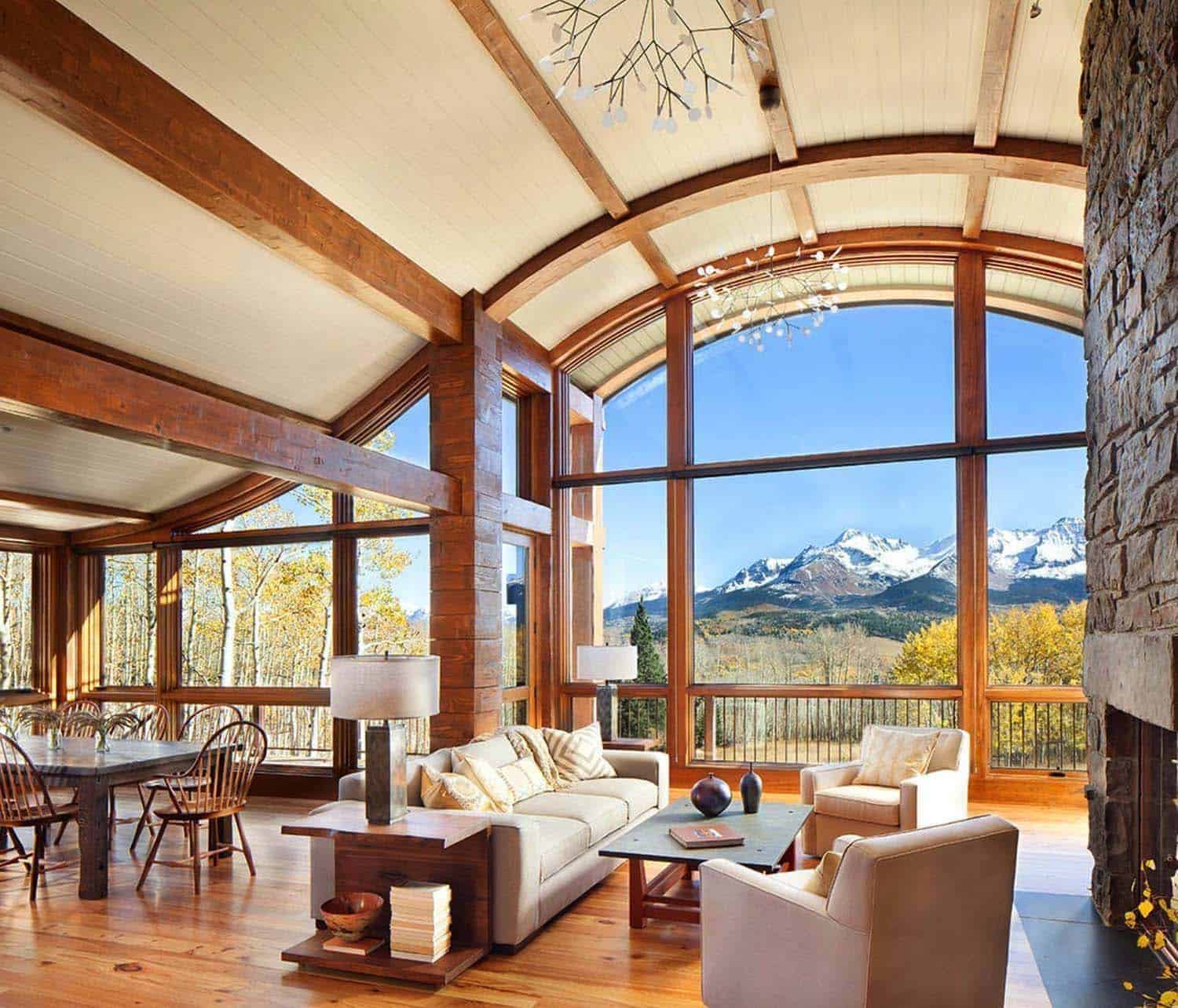 mountain-cabin-living-room