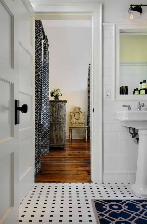 guest-house-farmhouse-bathroom