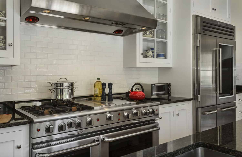 guest-house-farmhouse-kitchen