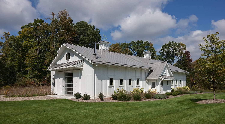 farmhouse-estate-barn-exterior
