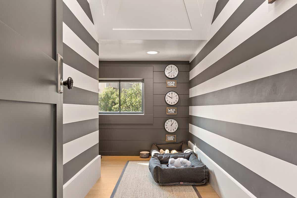 farmhouse-style-dog-room