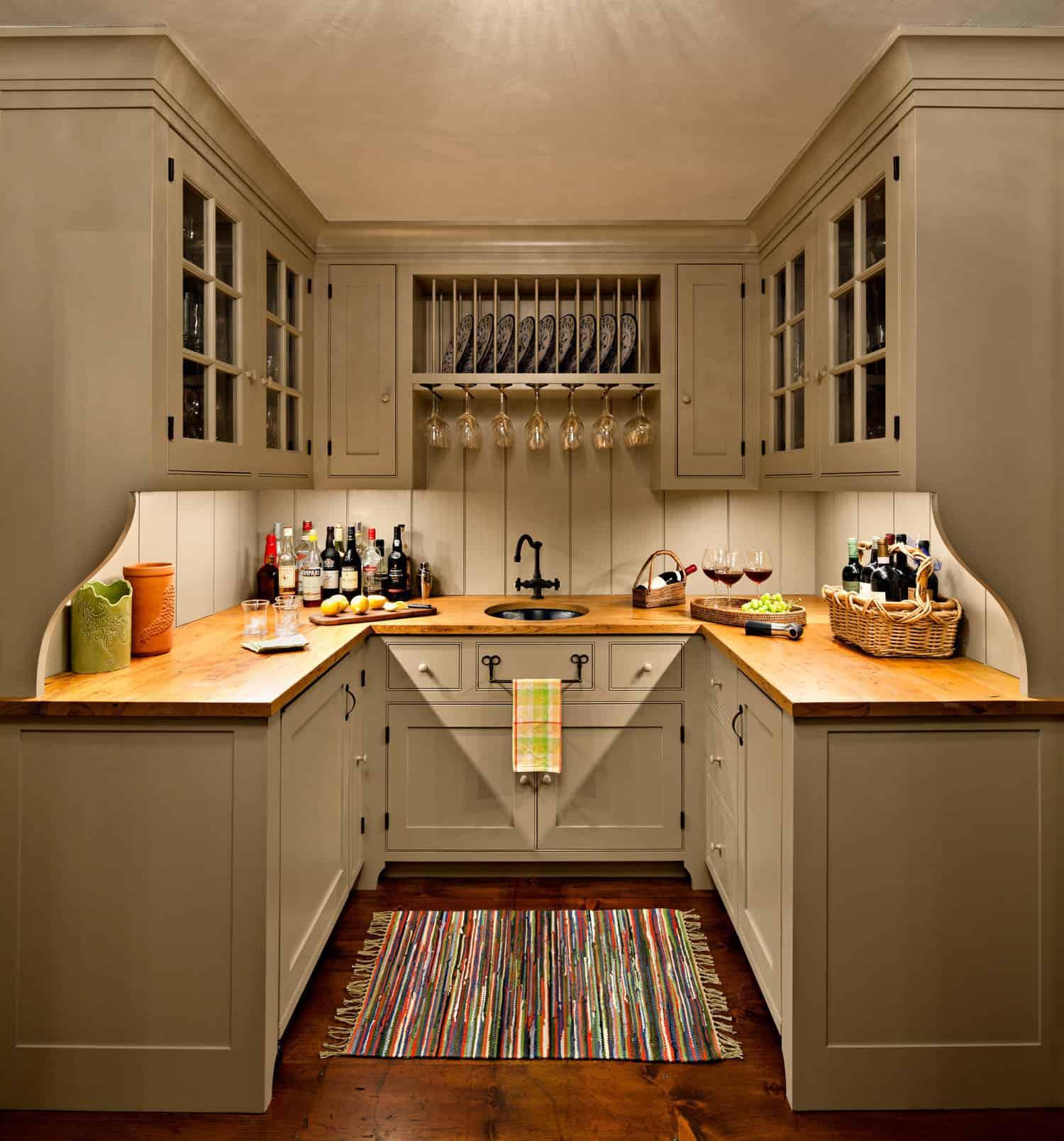 butlers-pantry-farmhouse-home-bar