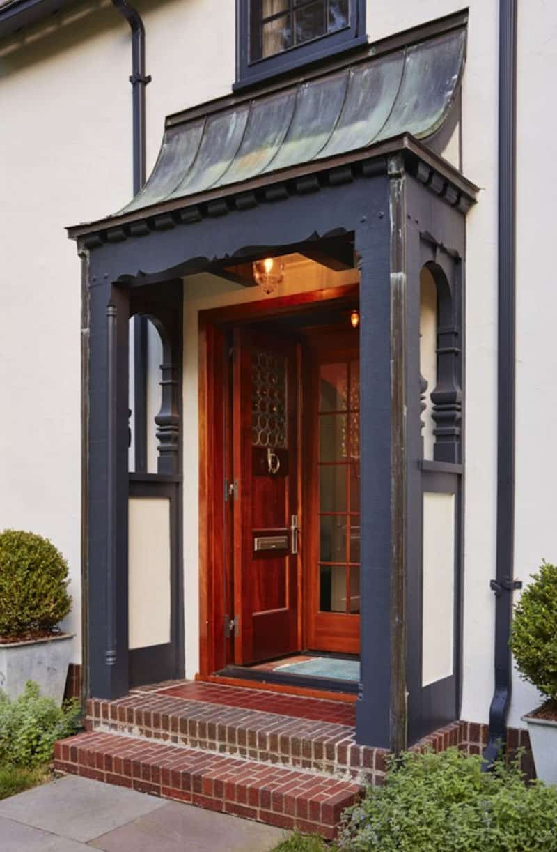 tudor-traditional-entry