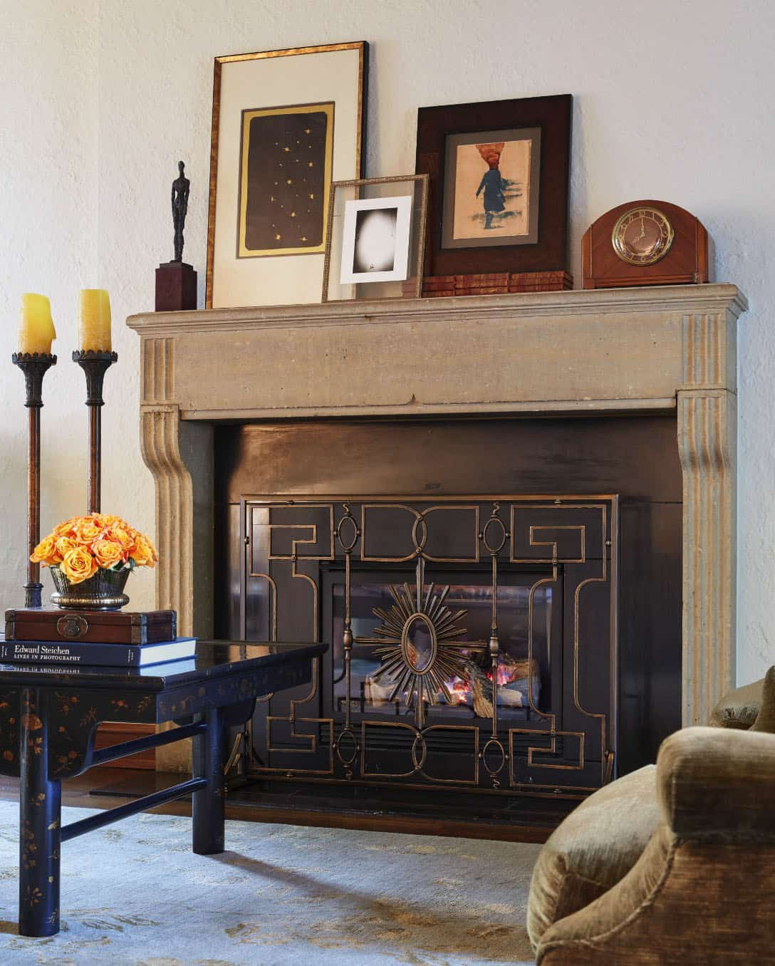 tudor-traditional-living-room-fireplace