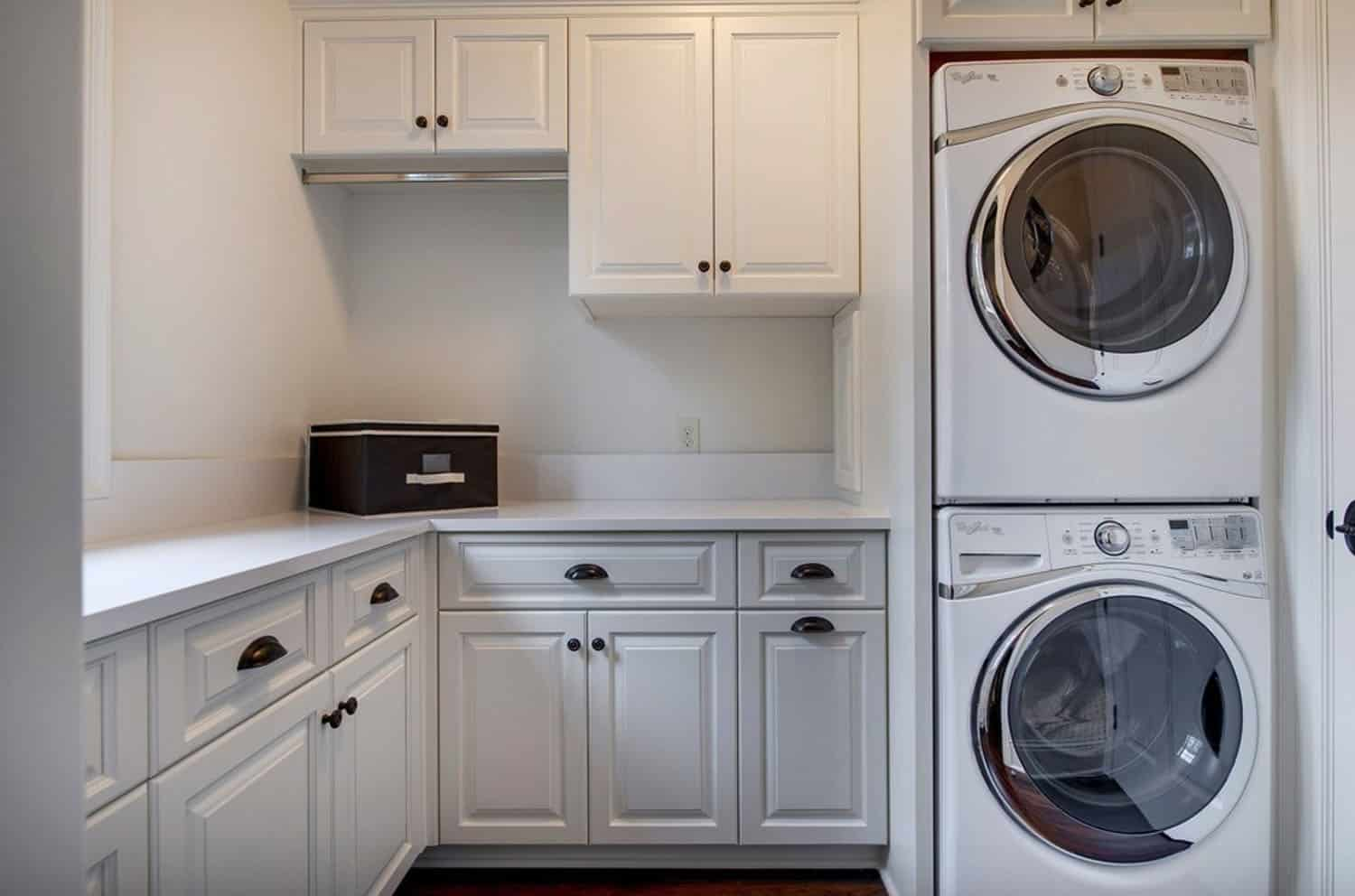 french-country-traditional-laundry-room