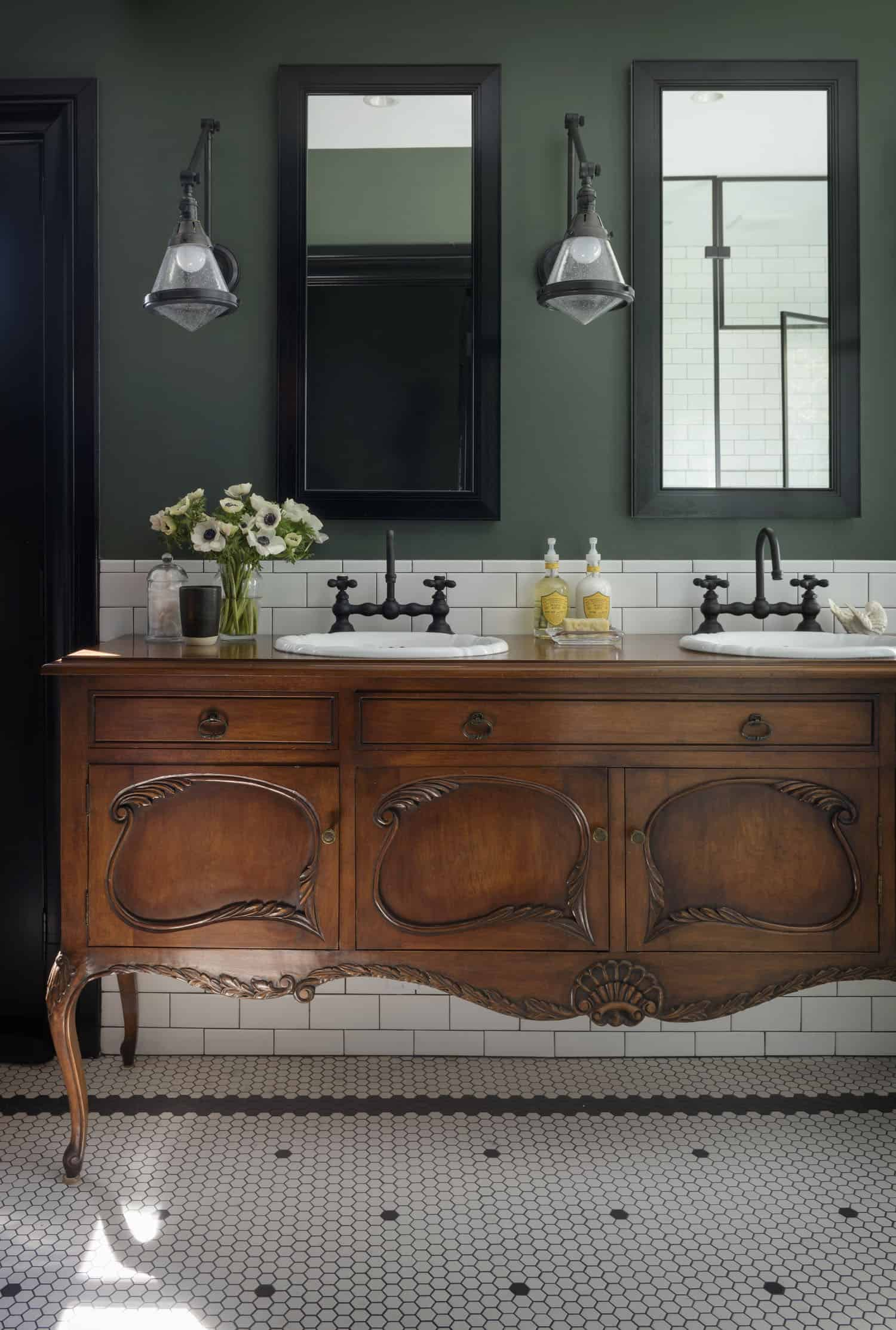 historic-revival-traditional-bathroom