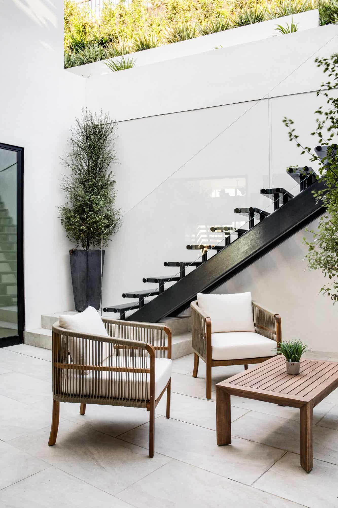 midcentury-basement-patio