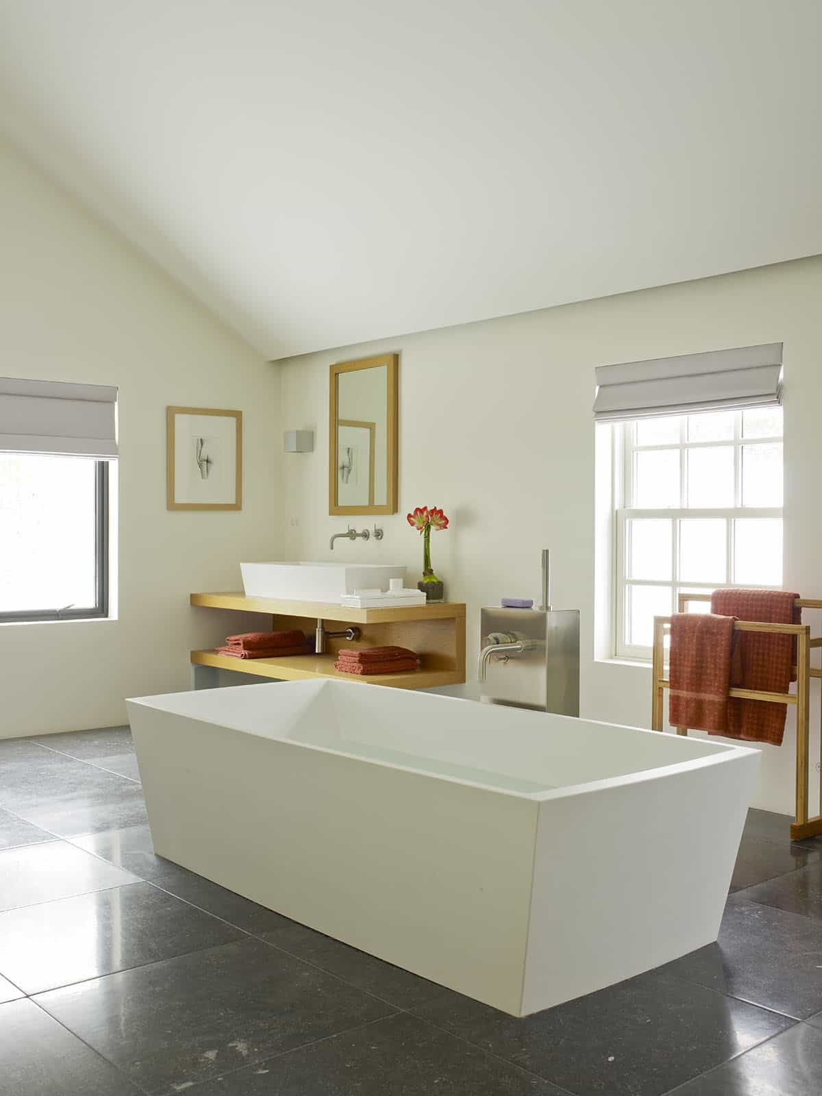 modern-bathroom-tub