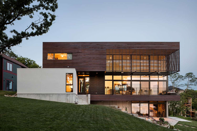 modern-lodge-style-exterior
