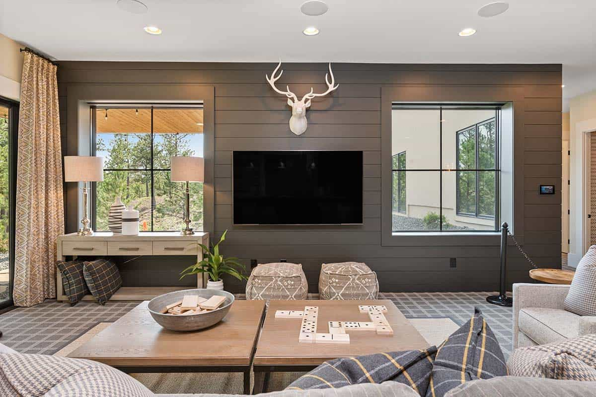 modern-mountain-family-room
