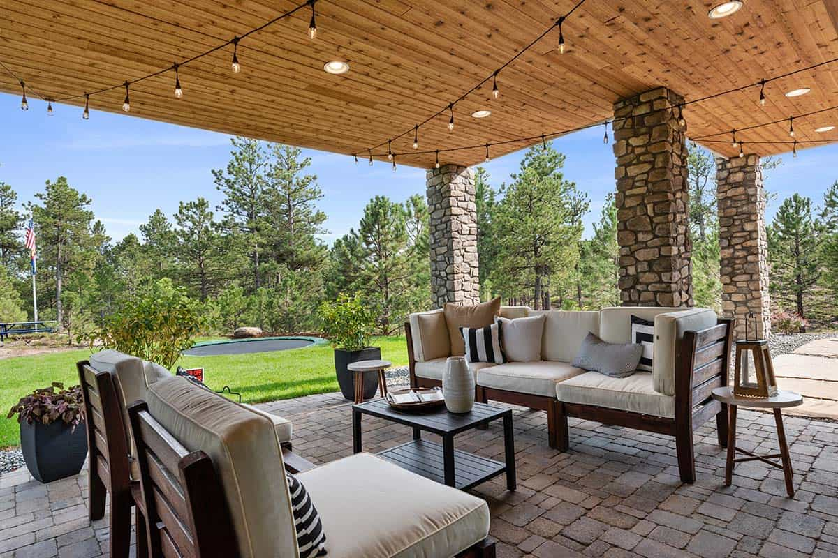 mountain-style-home-patio