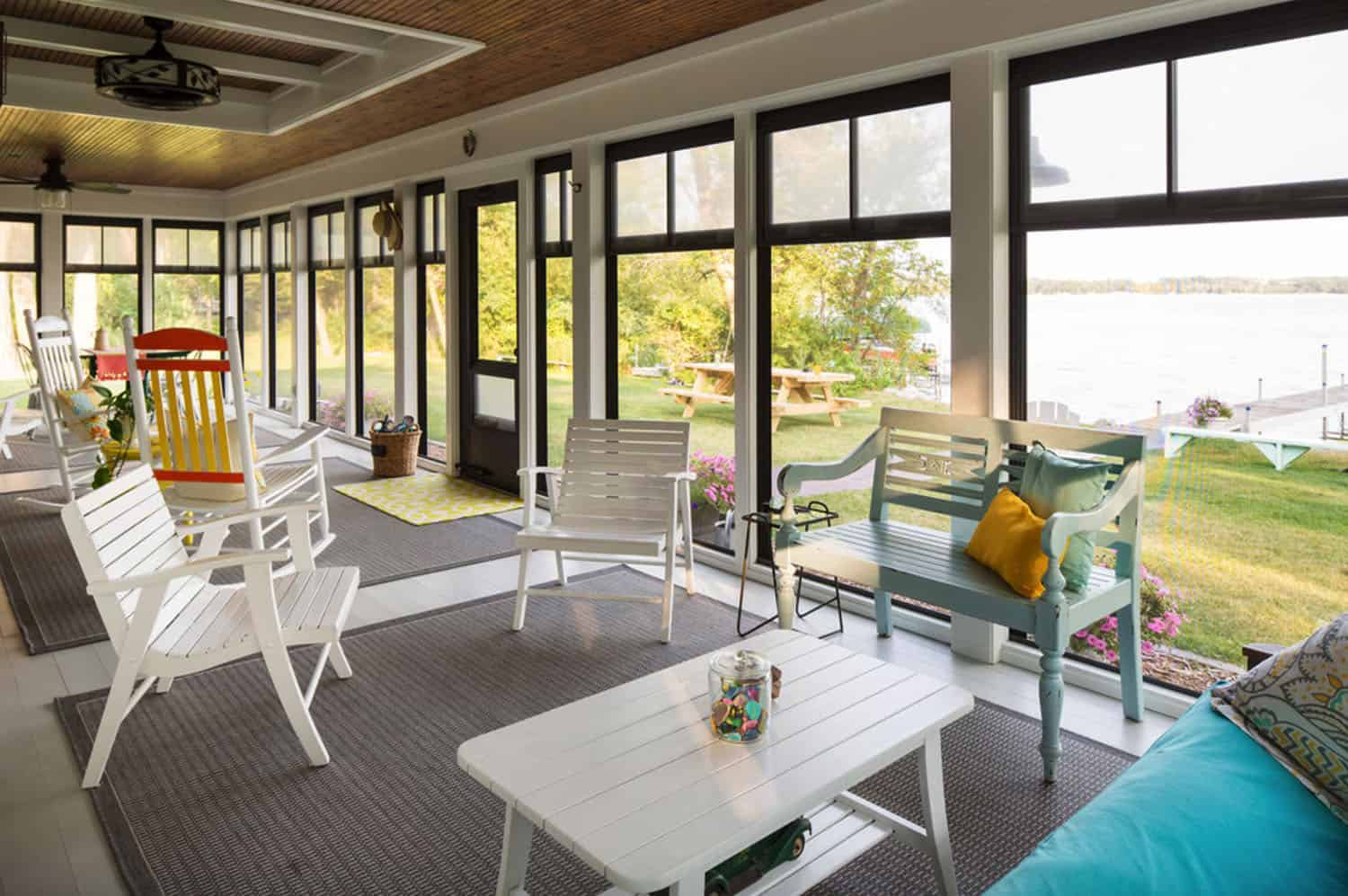 porch-cabin-sunroom