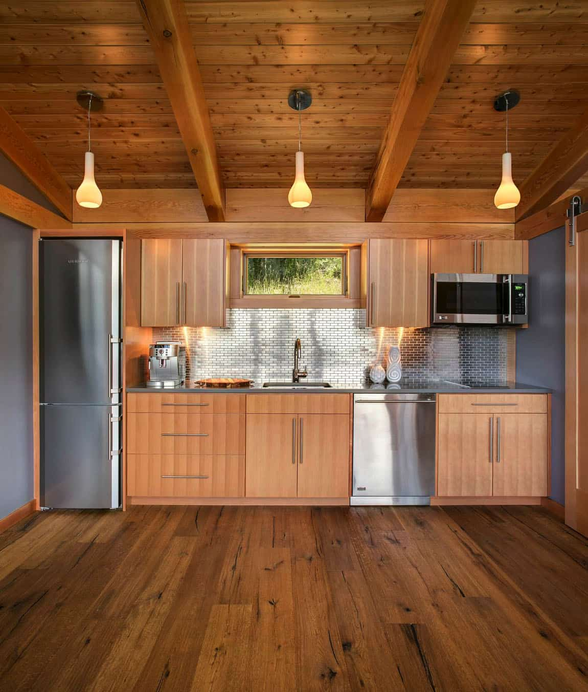 prefabricated-cabin-rustic-kitchen