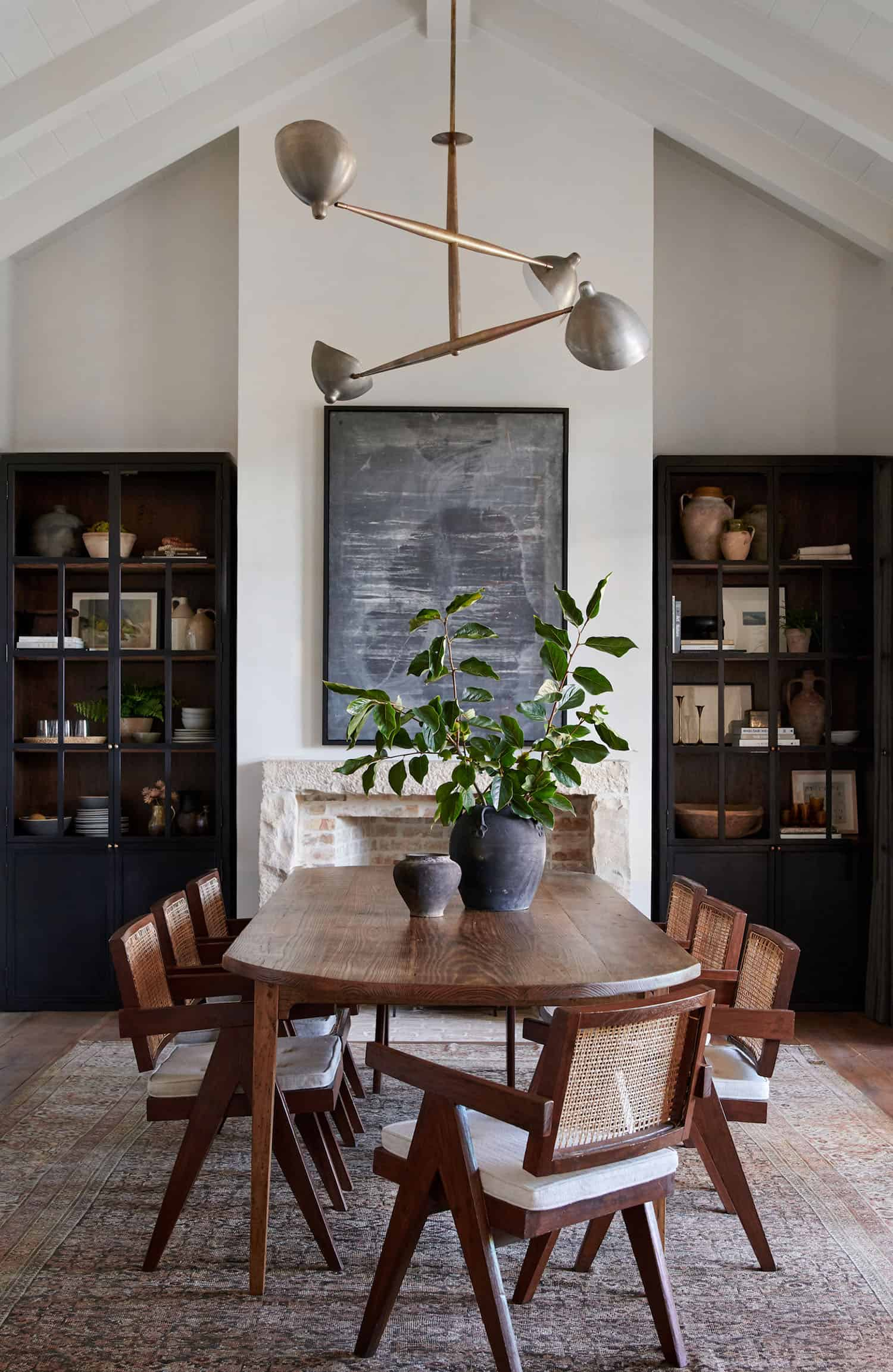 rustic-farmhouse-style-dining-room