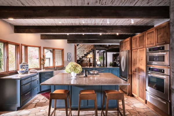 featured posts image for Cozy rustic modern home surrounded by a woodsy setting in the Midwest
