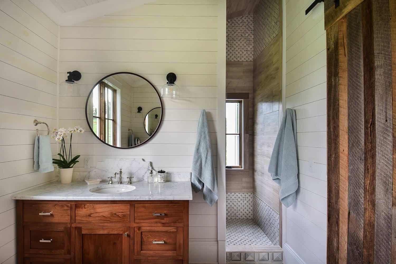mountain-farmhouse-bathroom