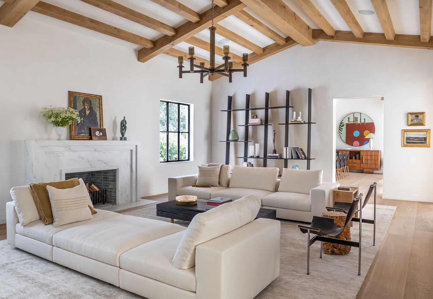 spanish-colonial-style-living-room