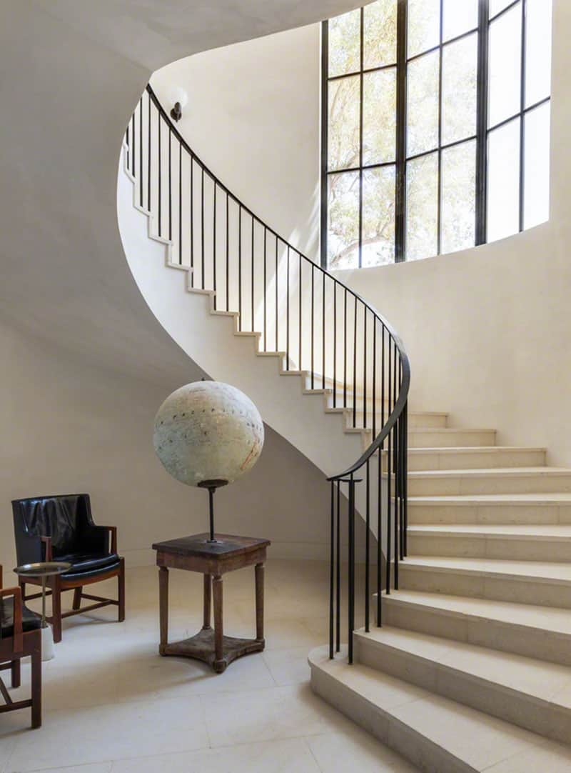 spanish-colonial-style-staircase