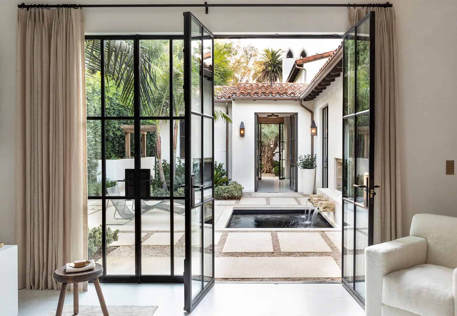 spanish-colonial-style-home-entry