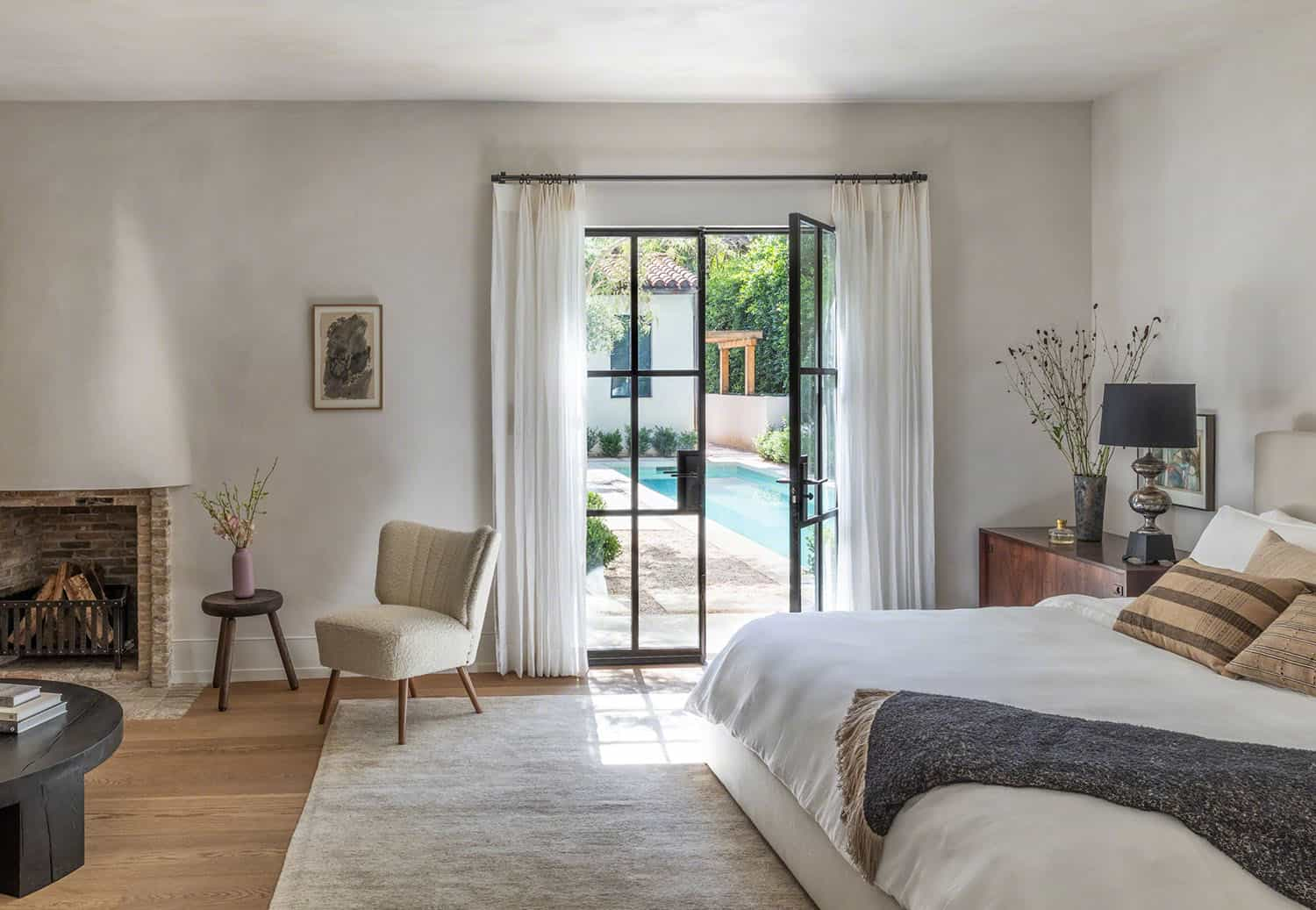 spanish-colonial-style-bedroom