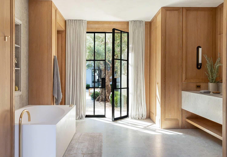 spanish-colonial-style-bathroom