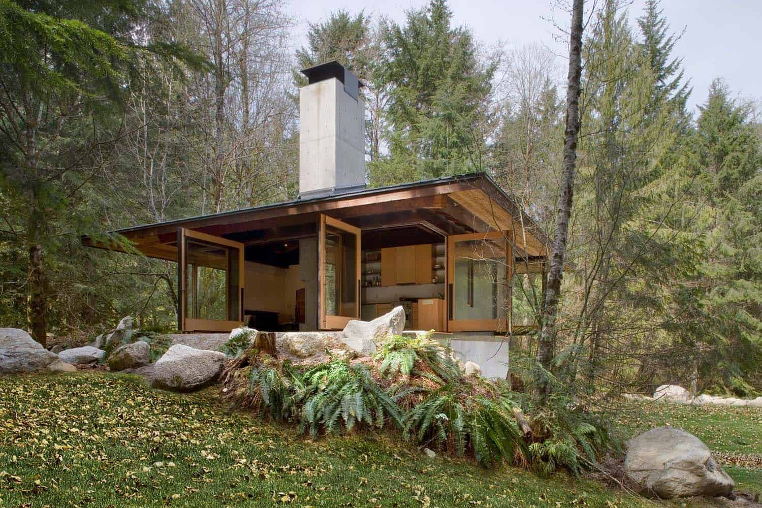 tiny-cabin-retreat-exterior