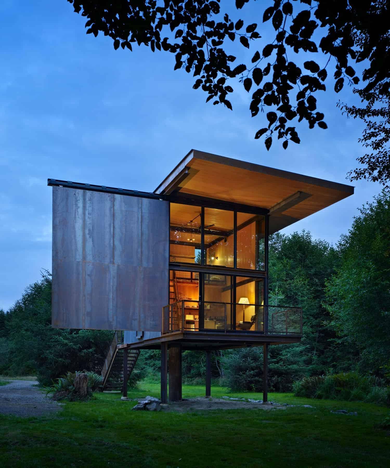 tiny-steel-clad-cabin-exterior