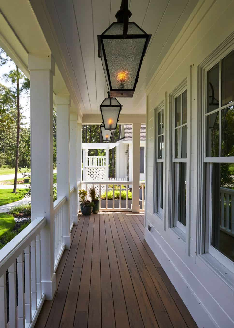 traditional-style-home-porch