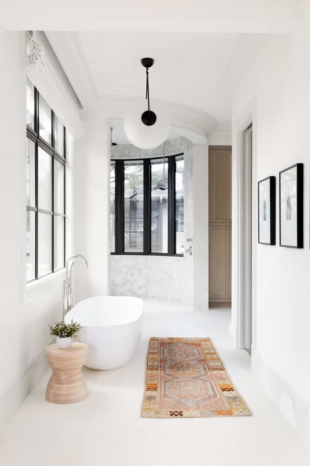victorian-transitional-bathroom