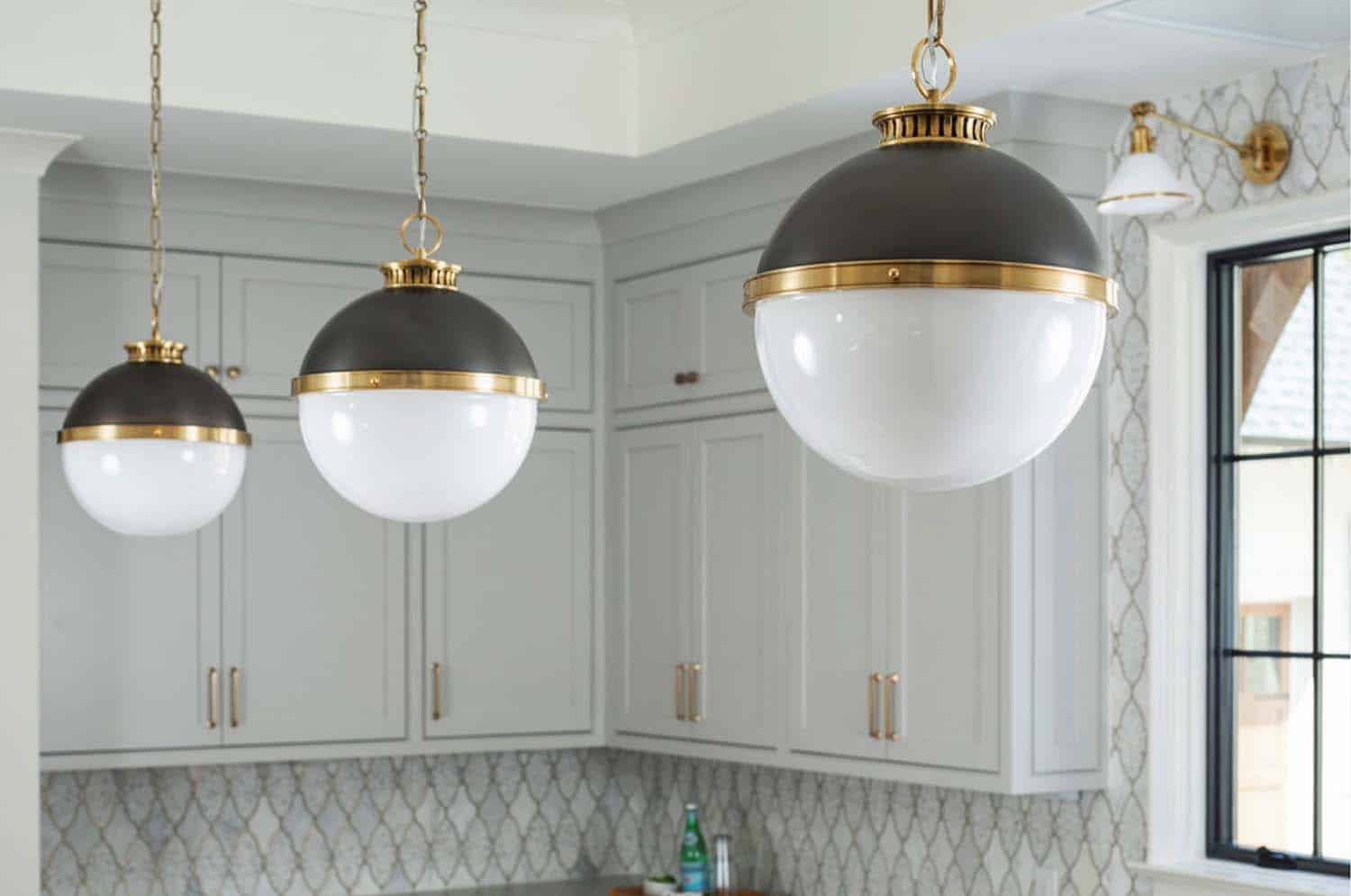 kitchen-pendants-transitional-kitchen