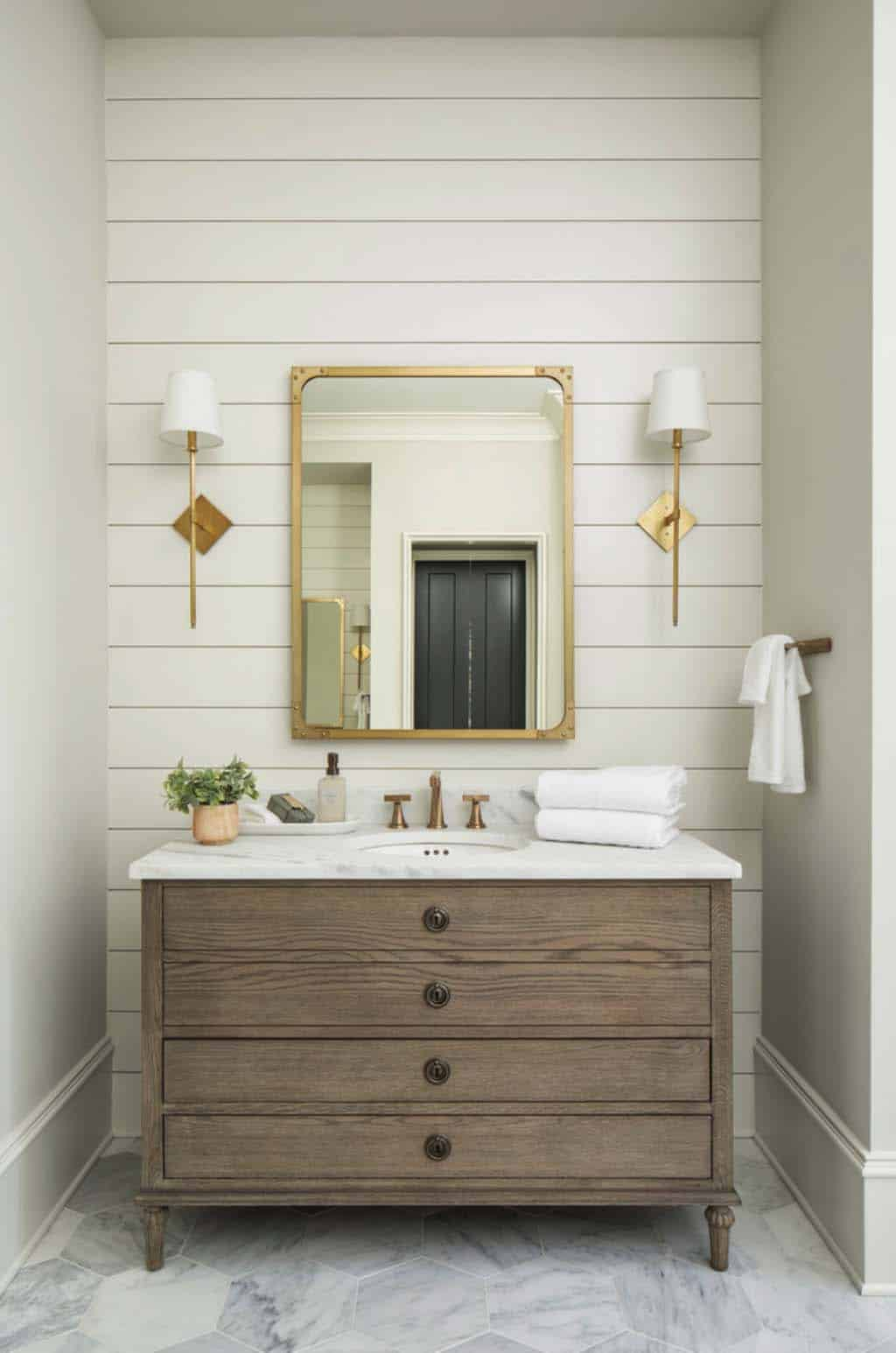 transitional-master-bath-vanity
