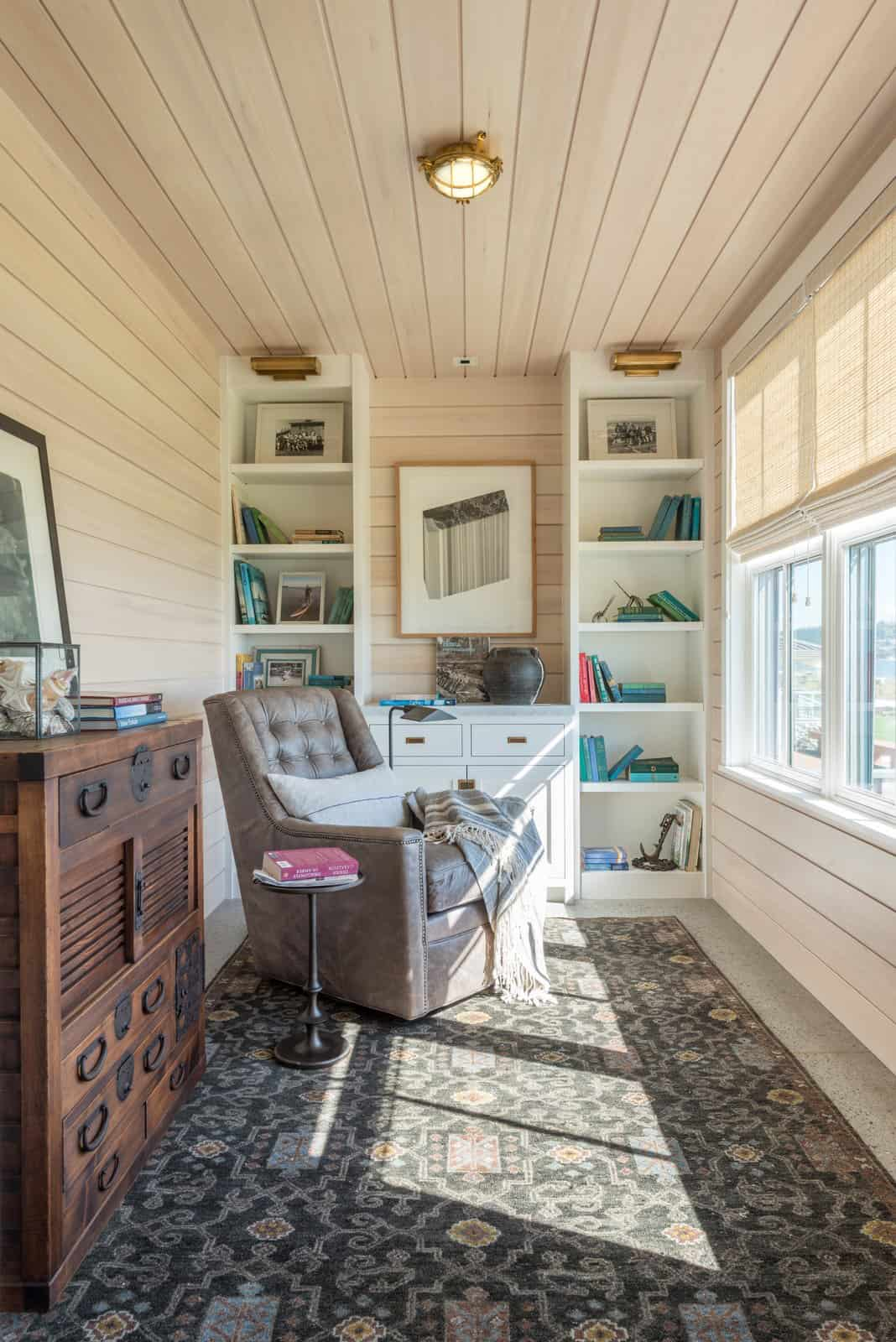 beach-style-sunroom