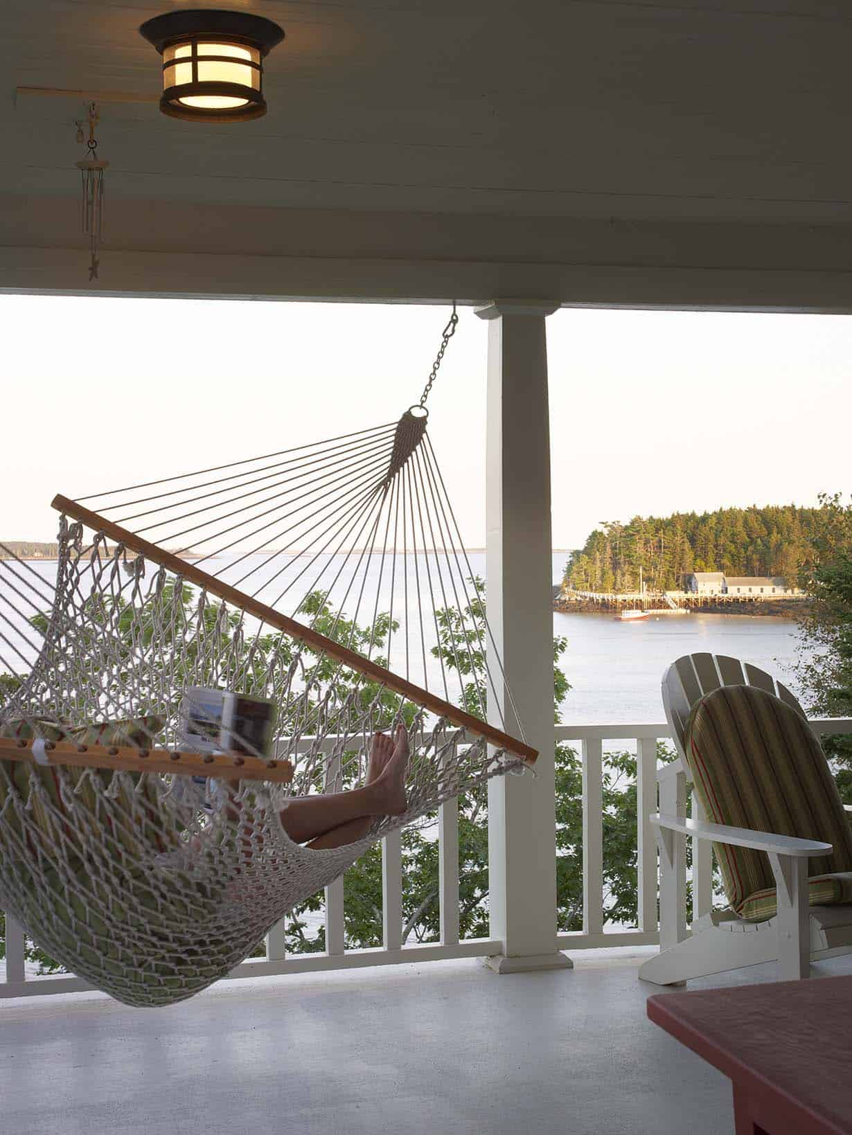 rustic-cottage-porch-hammock