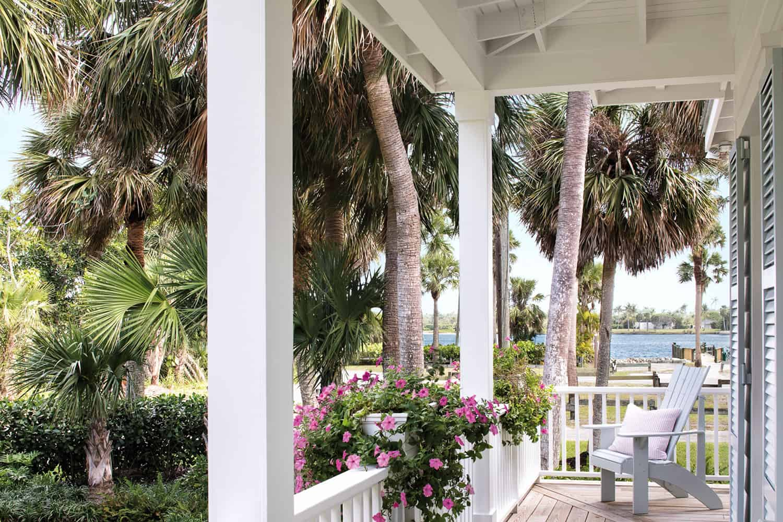 beach-style-wraparound-porch
