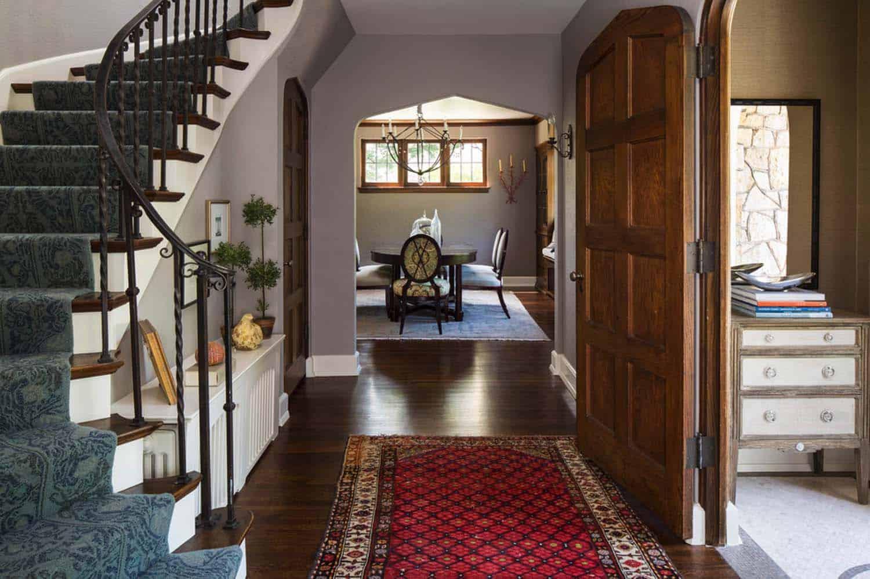 tudor-style-hall-staircase