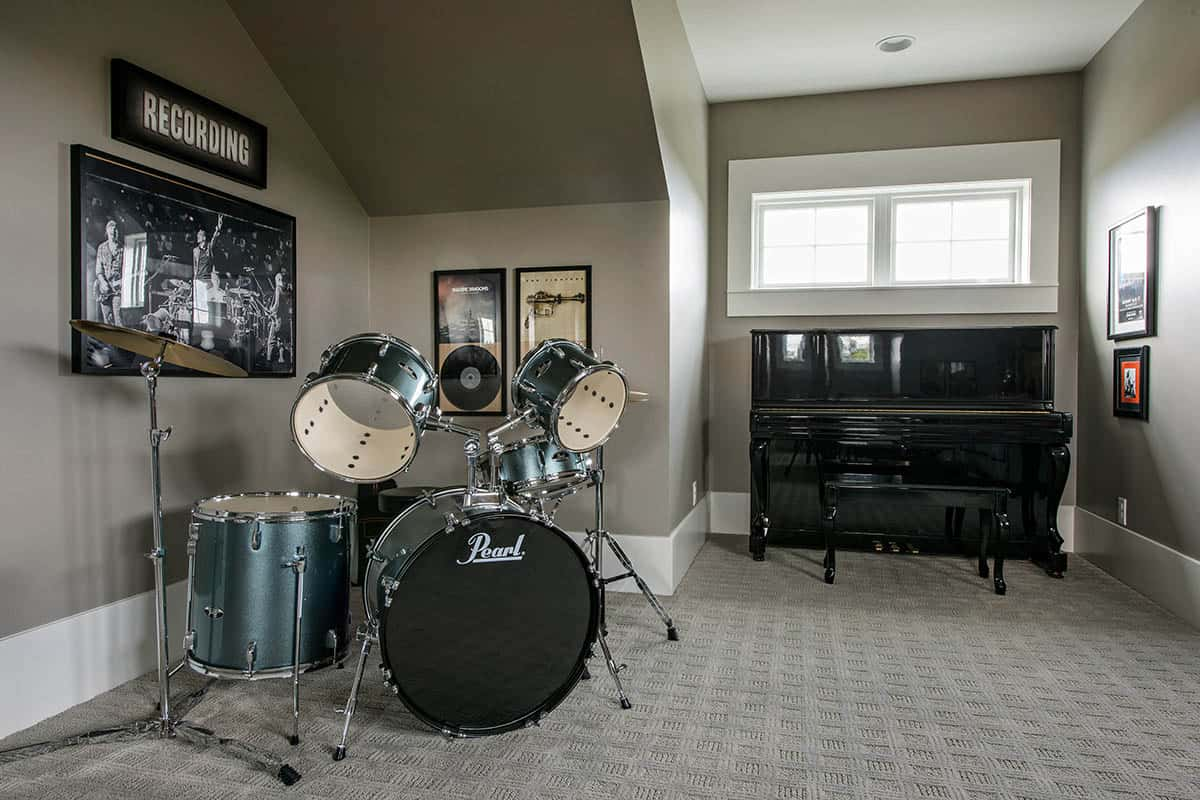 transitional-style-basement-music-room