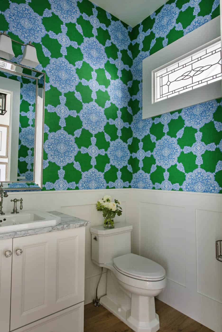 transitional-style-powder-bathroom
