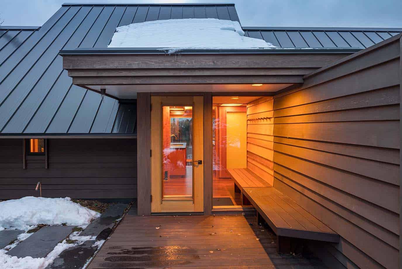 contemporary-cabin-entry