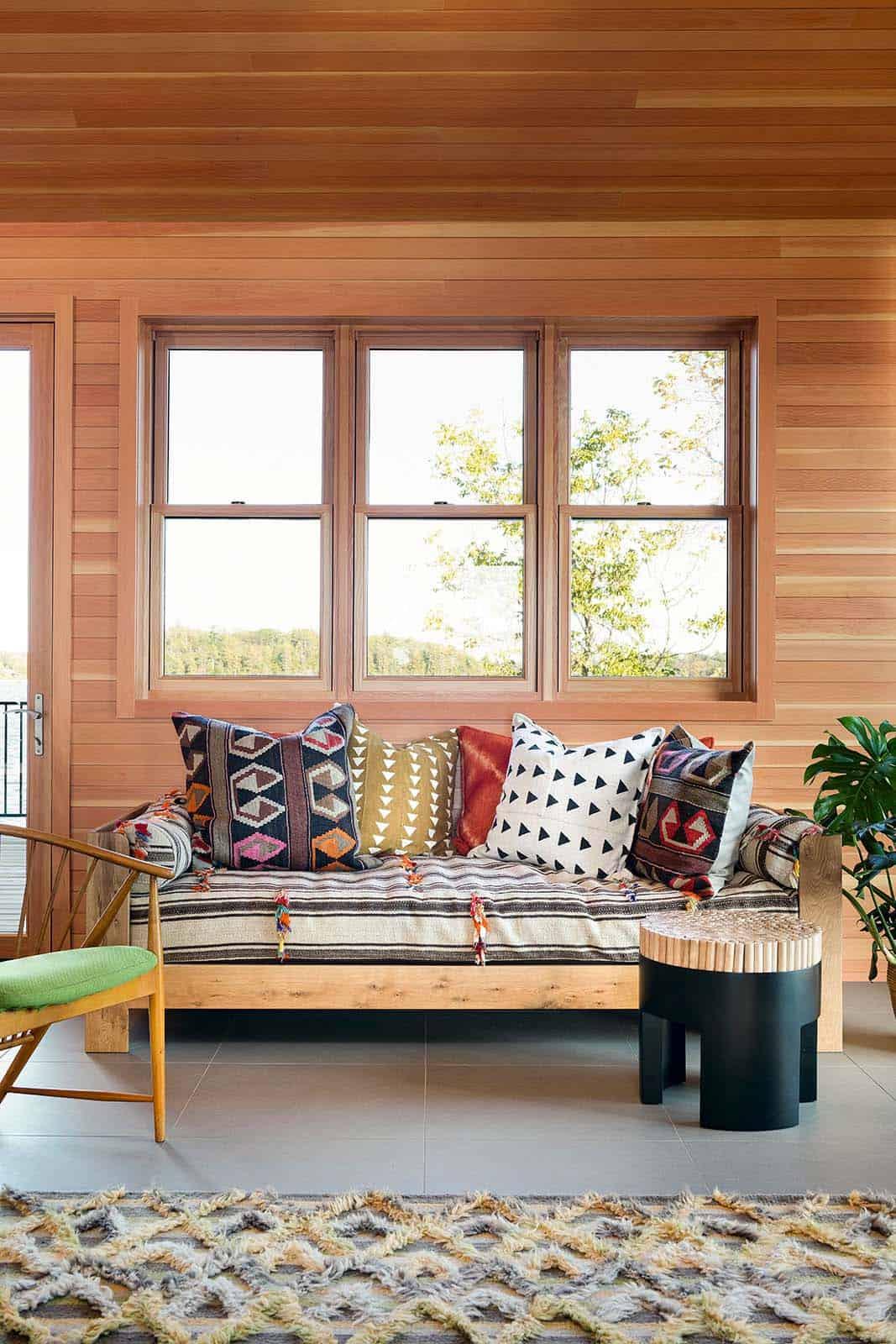 lake-house-living-room
