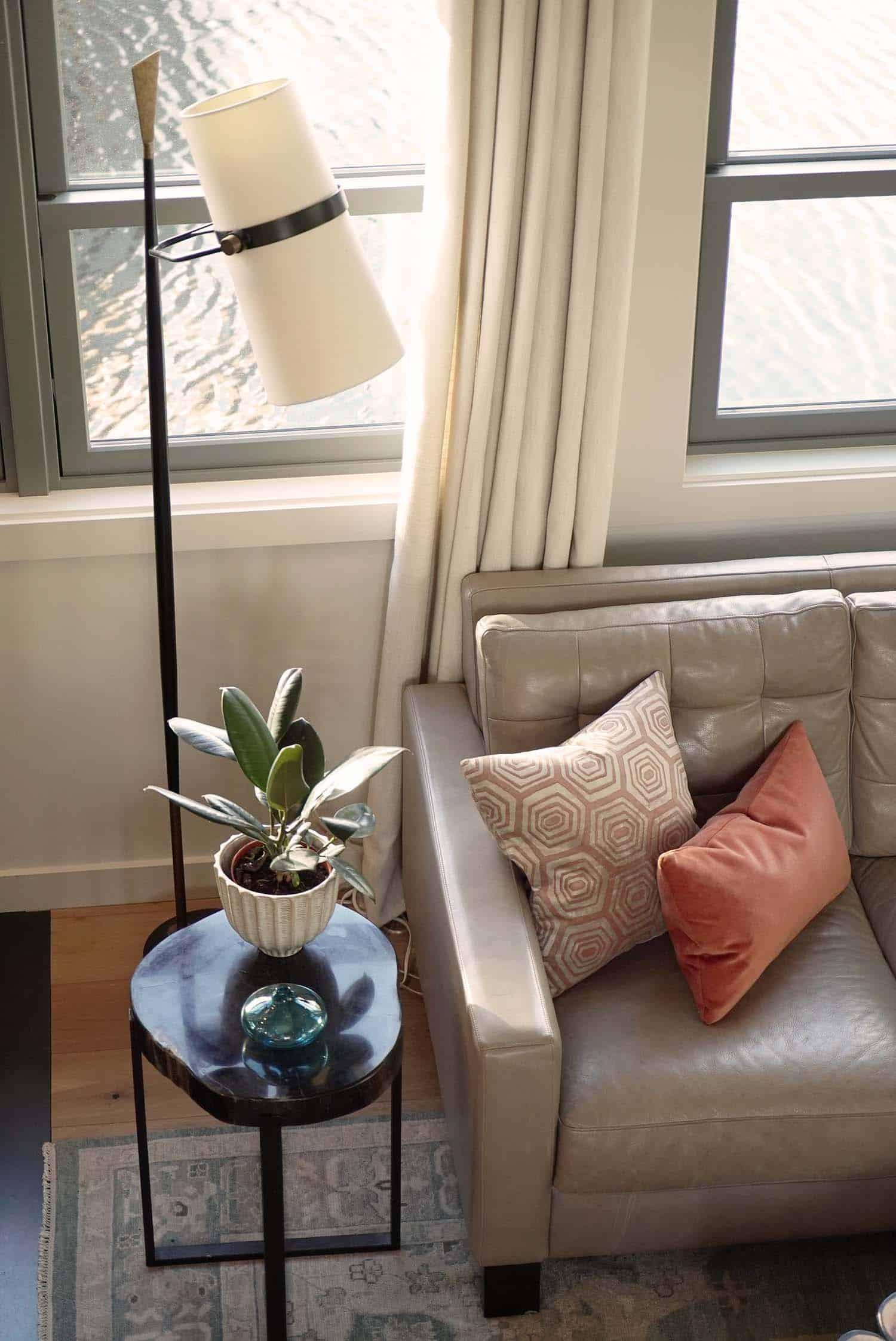 furniture-detail-craftsman-living-room